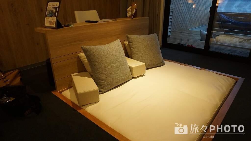 アイランド長崎のテラスロッジのクッションベッド