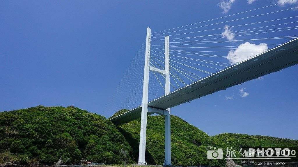 伊王島へ行く船から見る女神大橋