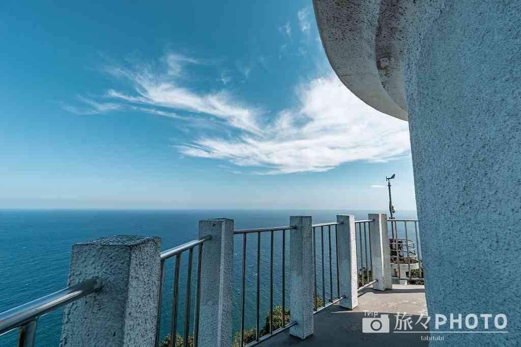 灯台から観る海
