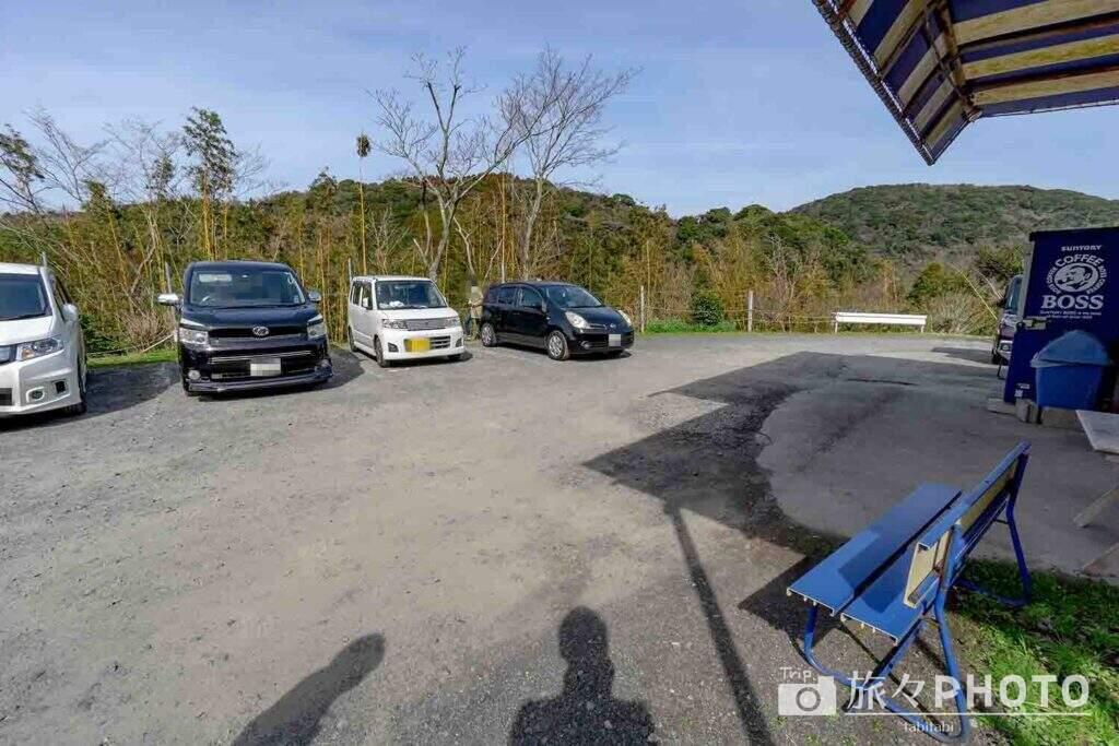 からつバーガー駐車場