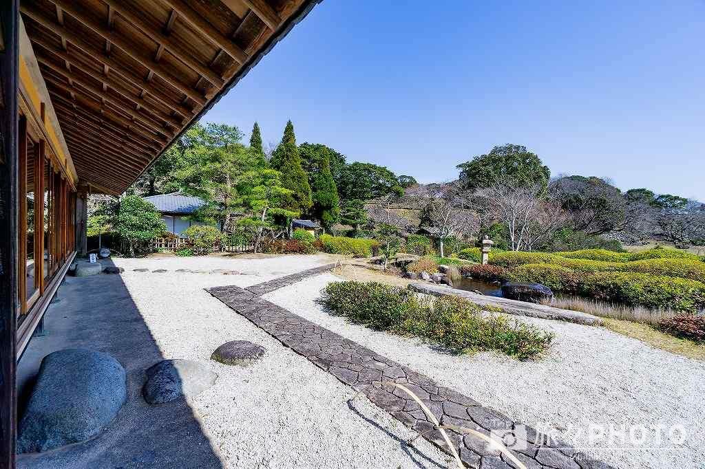 名護屋城跡の海月の日本庭園