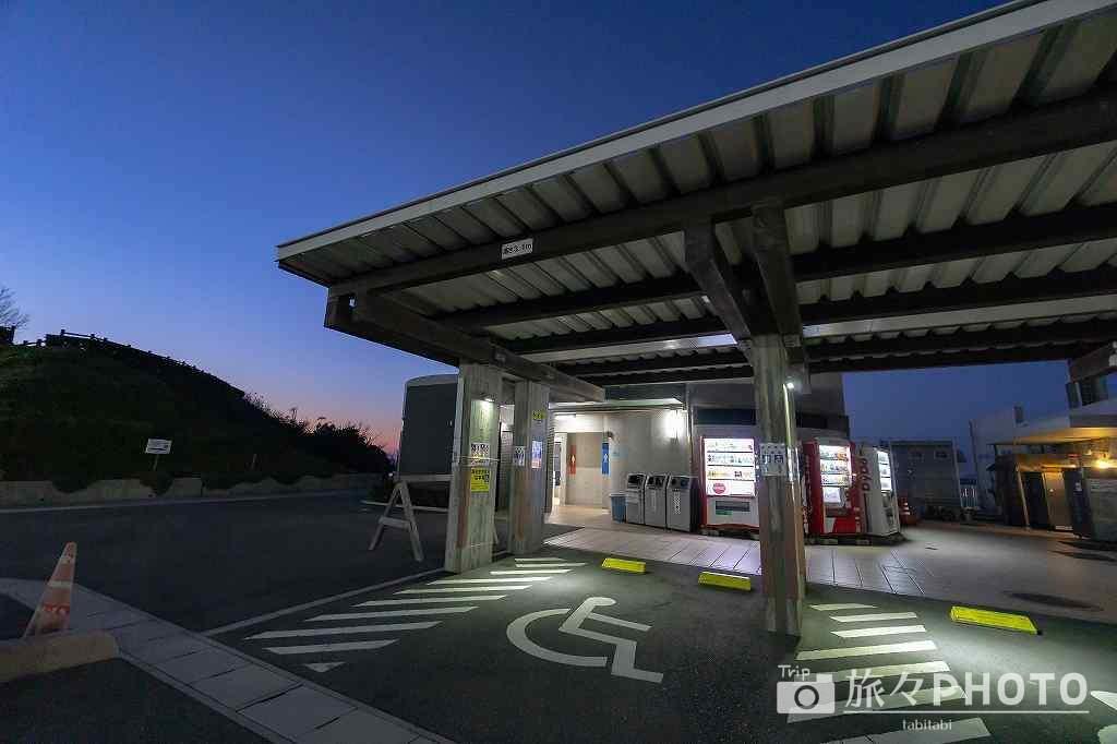 道の駅「北浦街道ほうほく」のトイレの外観