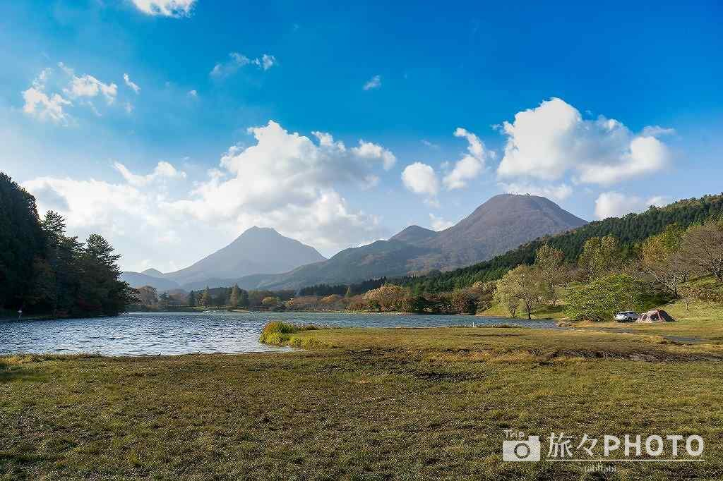 志高湖 由布岳と鶴見岳