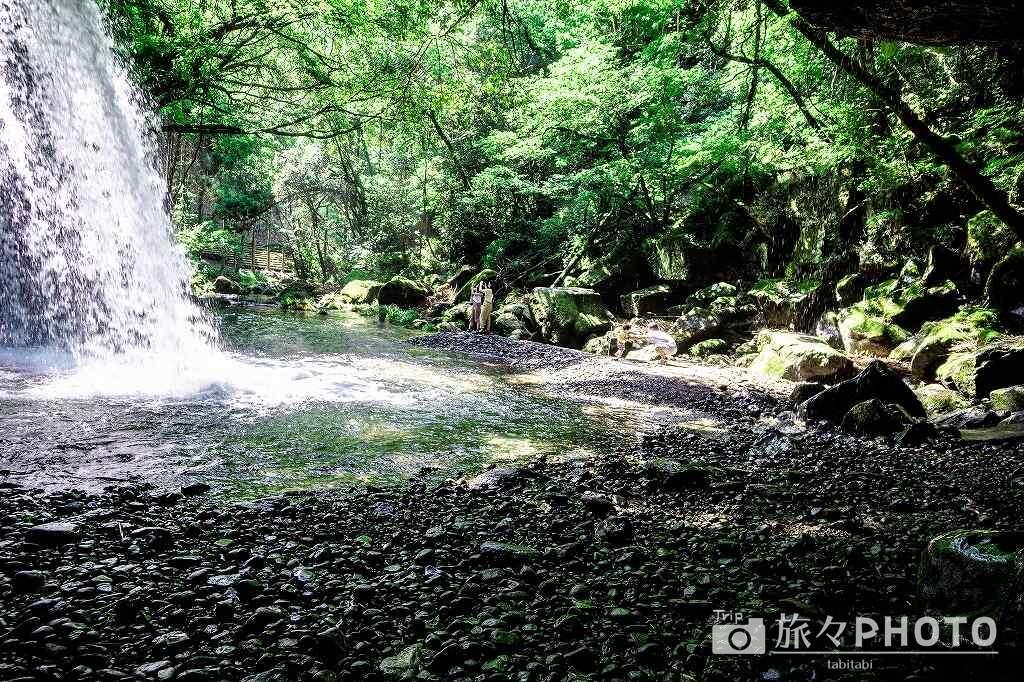 鍋が滝 裏側の足場