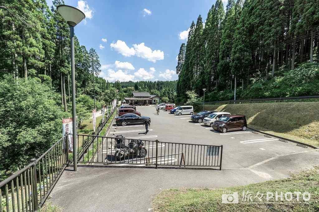 鍋ヶ滝駐車場