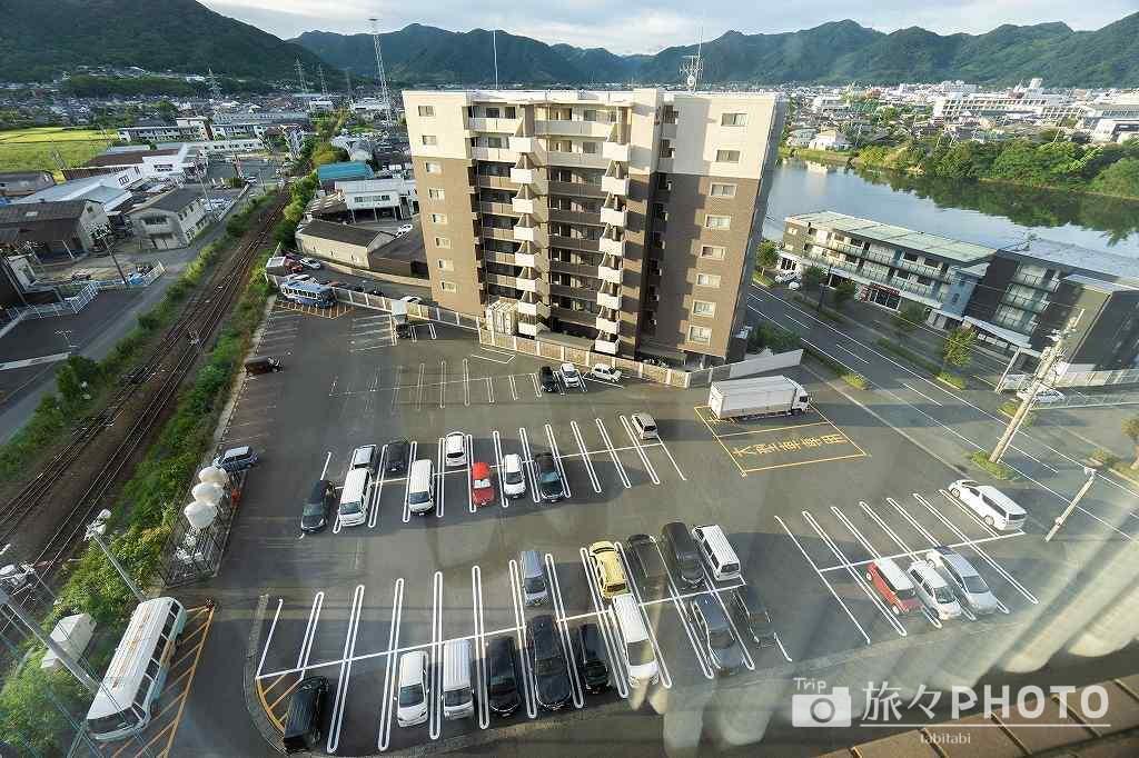 萩ロイヤルインテリジェントホテル駐車場