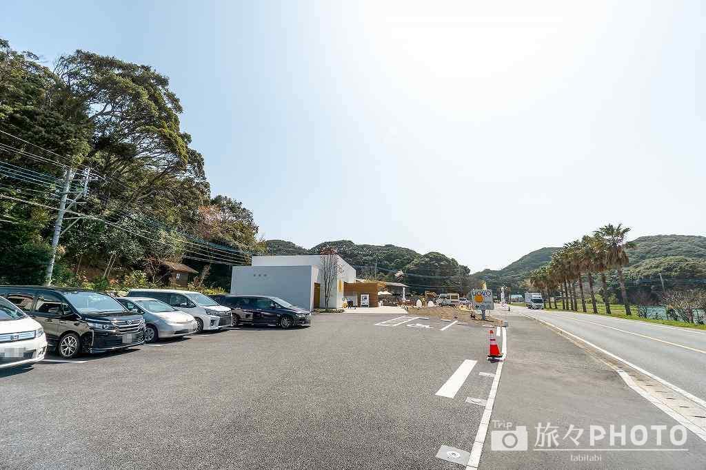 糸島ファームハウスUOVOの駐車場