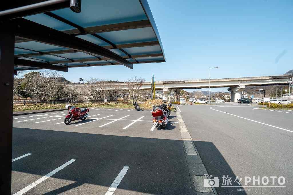 道の駅童話の里くすのバイク置き場