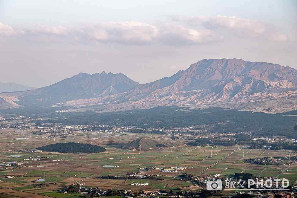 かぶと岩展望所から見た阿蘇山