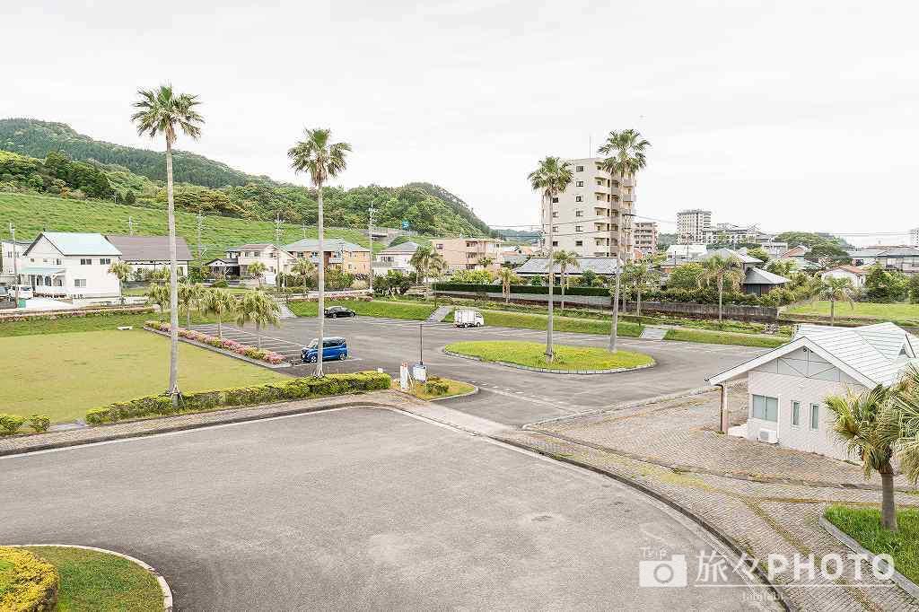 青島駅西口駐車場