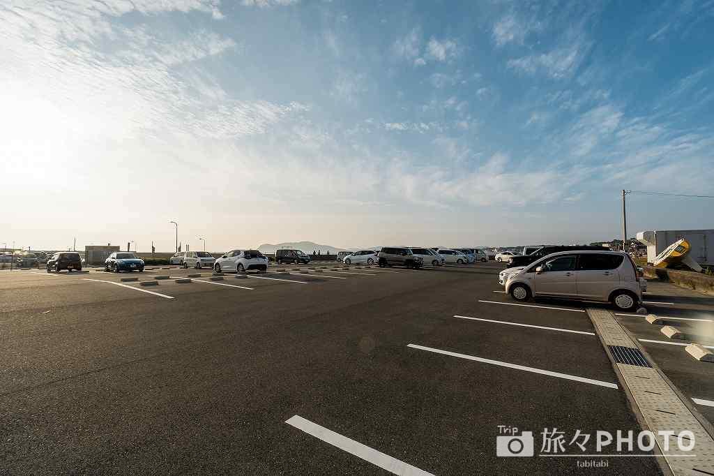 福間漁港海浜公園駐車場(約150台)