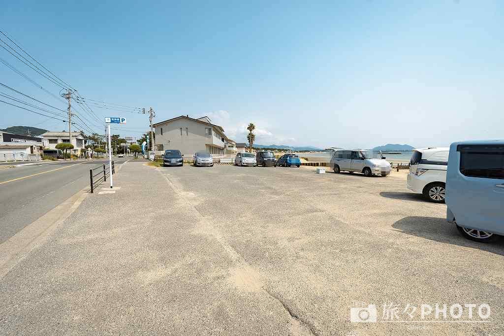 津屋崎海岸駐車場(約10台)