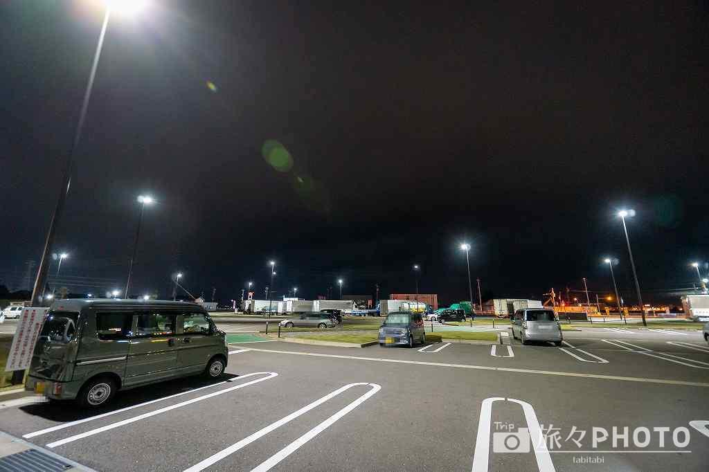 駐車場の電灯