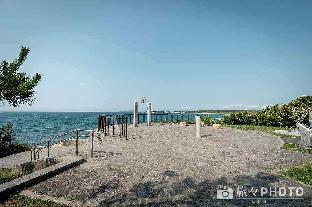 夏井ヶ浜はまゆう公園 響愛の鐘