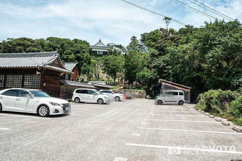 亀岡神社の駐車場