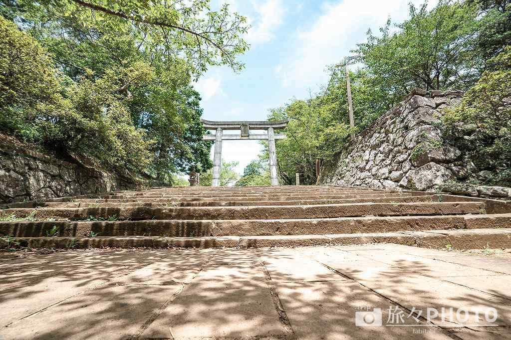 亀岡神社の鳥居